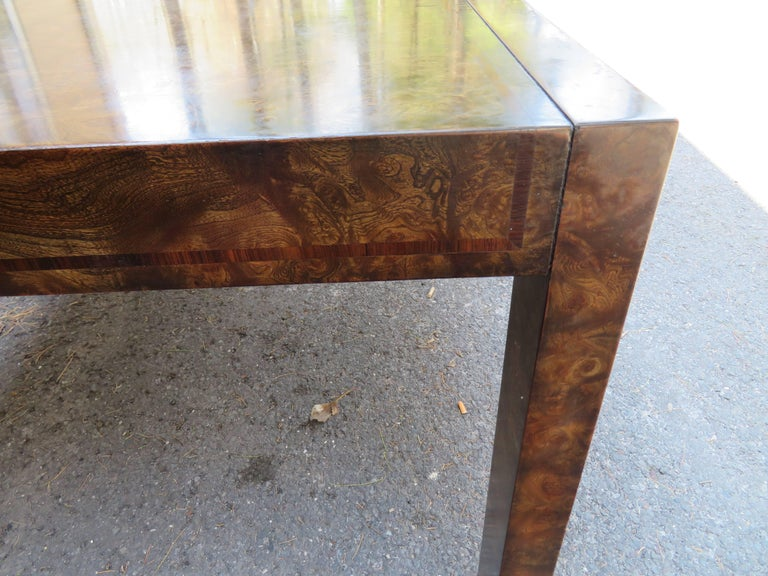Handsome Mastercraft Amboyna Burl and Brass Parsons Leg Dining Table Midcentury For Sale 2