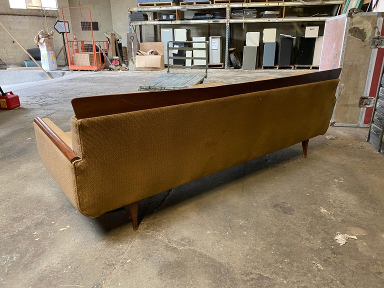 Handsome Mid-Century Modern Sofa, Manner of Adrian Pearsall For Sale 3