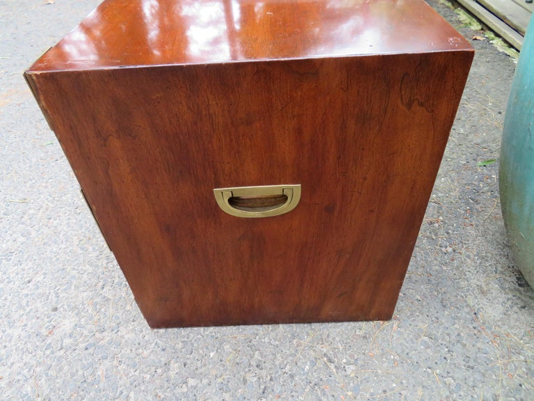 Handsome Pair of Henredon Asian Campaign Bachelors Chest, Mid-Century Modern For Sale 6