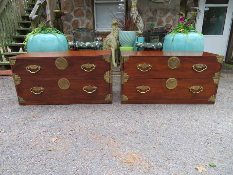 Handsome Pair of Henredon Asian Campaign Bachelors Chest, Mid-Century Modern For Sale 10