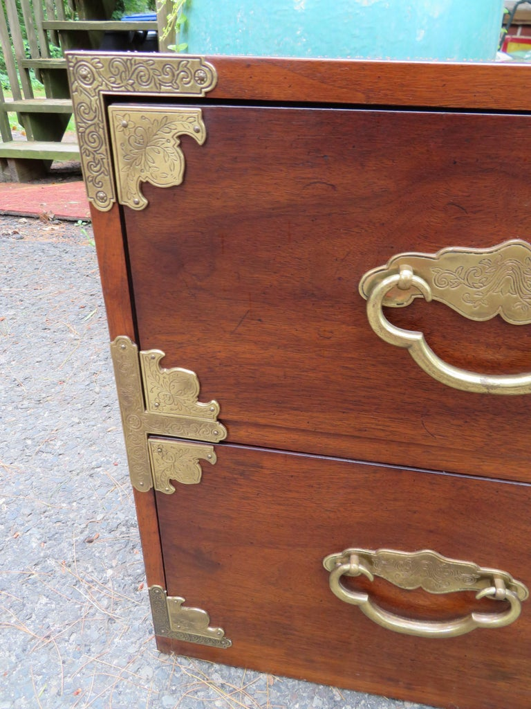Late 20th Century Handsome Pair of Henredon Asian Campaign Bachelors Chest, Mid-Century Modern For Sale