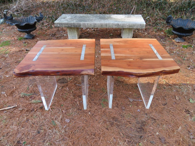 Handsome Pair of Nakashima Style Walnut Lucite Live Edge Side End Tables For Sale 7
