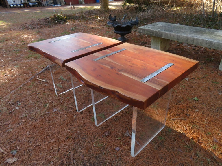 Modern Handsome Pair of Nakashima Style Walnut Lucite Live Edge Side End Tables For Sale