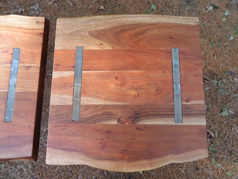 Handsome Pair of Nakashima Style Walnut Lucite Live Edge Side End Tables In Good Condition For Sale In Medford, NJ
