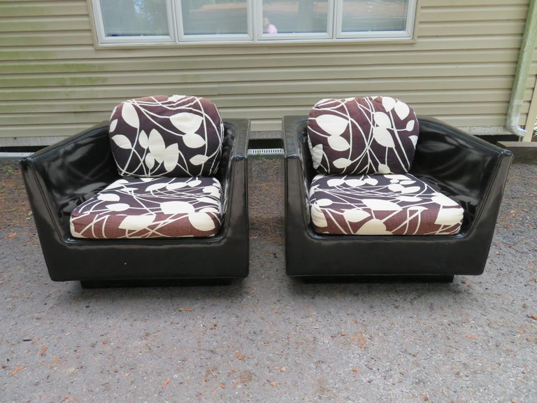 Upholstery Handsome Pair of Signed Selig Cube Lounge Chairs Mid-Century Modern For Sale