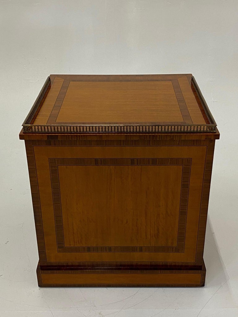 Handsome Regency Style Mahogany and Satinwood Inlay Chest Cabinet Nightstand For Sale 6