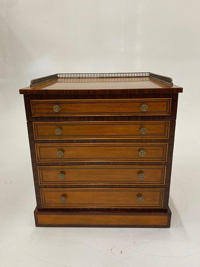 Late 20th Century Handsome Regency Style Mahogany and Satinwood Inlay Chest Cabinet Nightstand For Sale