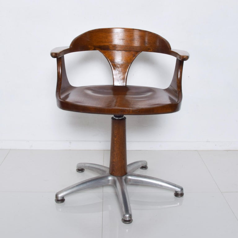 Handsome RH Vintage Solid Oak Captain's Swivel Desk Chair Task Office Use In Good Condition For Sale In National City, CA