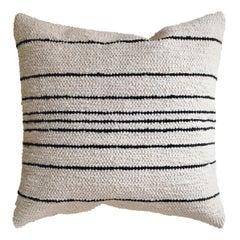 Handgewebtes Kissen Baumwolle Dünne Streifen in Schwarz und Naturgemäß, auf Lager