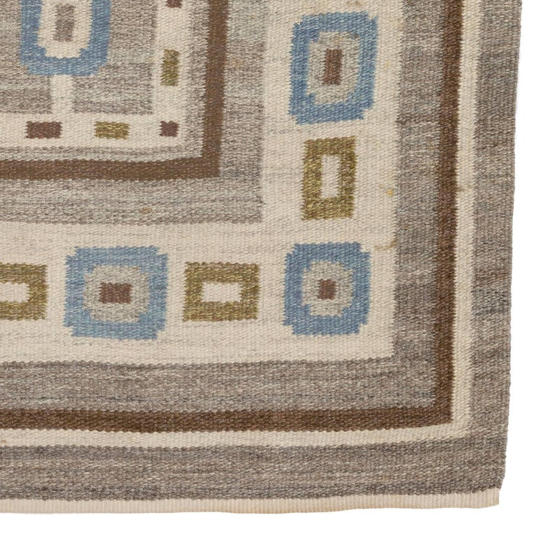 Hand-Woven Handwoven Swedish Wool rug in Flat-Weave signed V.J. For Sale