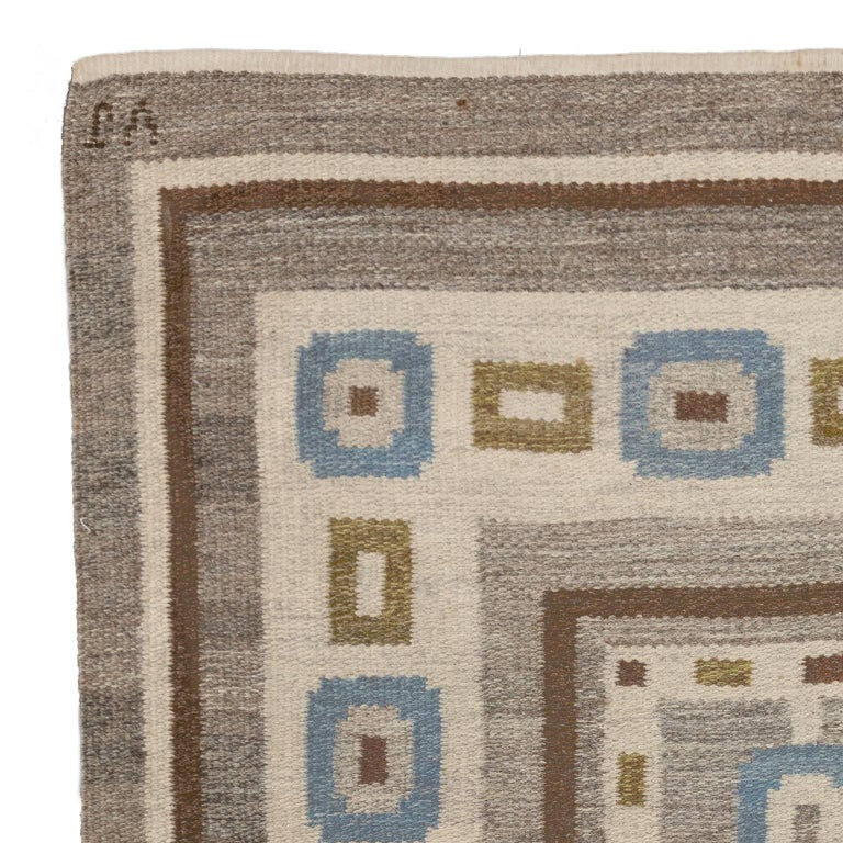 Mid-20th Century Handwoven Swedish Wool rug in Flat-Weave signed V.J. For Sale