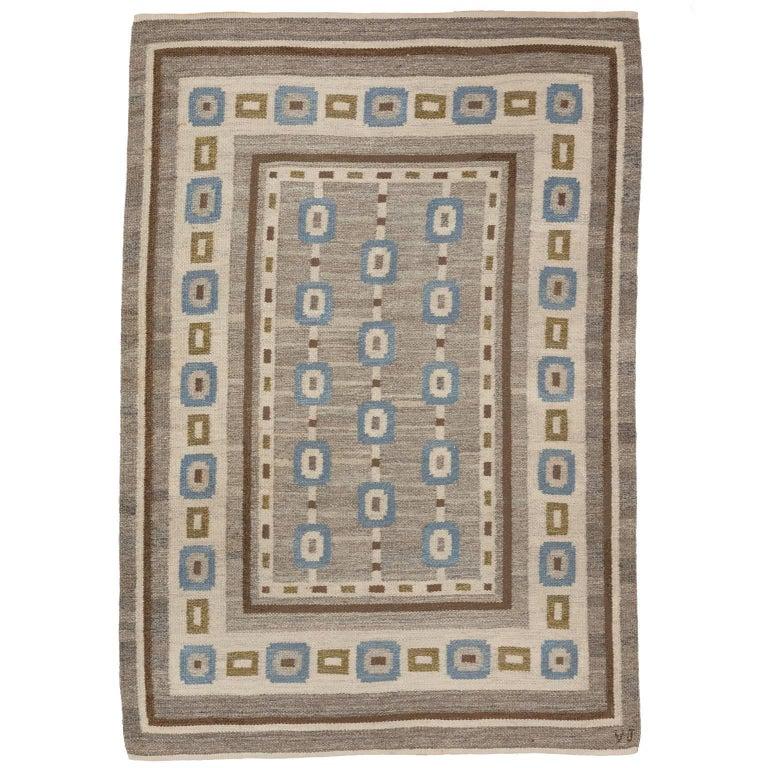 Handwoven Swedish Wool rug in Flat-Weave signed V.J. For Sale