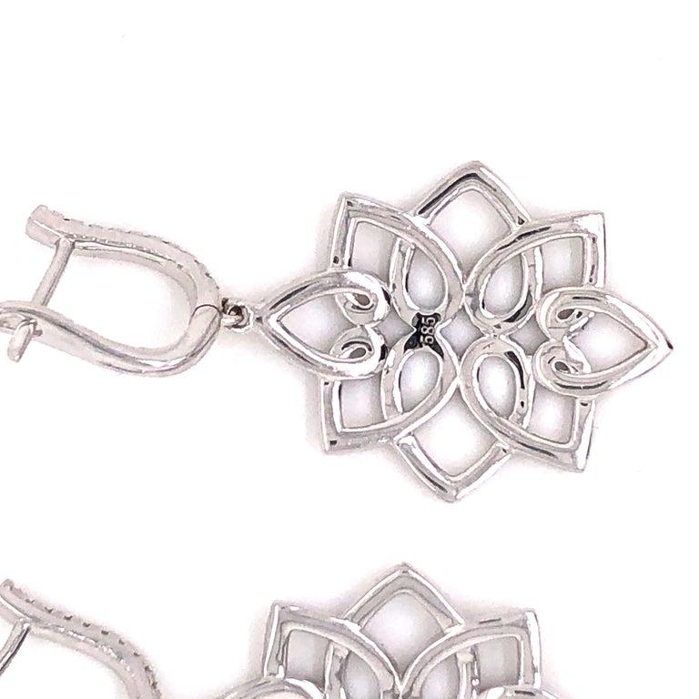 Women's Hanging 1.42 Carat Diamonds Earrings For Sale
