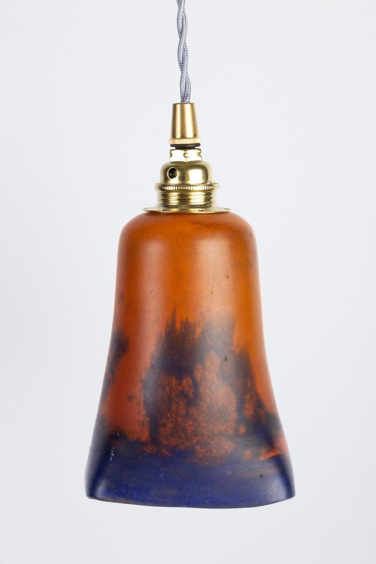 Hanging lamp, glass paste, 1900. Measures: H 19 cm, D 10 cm.