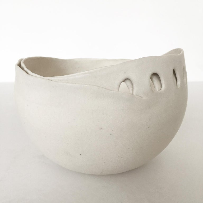 Hannelore Fasciszewski Sculptural Porcelain Bowl In Excellent Condition For Sale In Chicago, IL