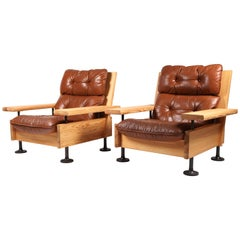 Hannu Jyräs, Pair of Unique Easy Armchairs in Oregon Pine and Leather, 1970s