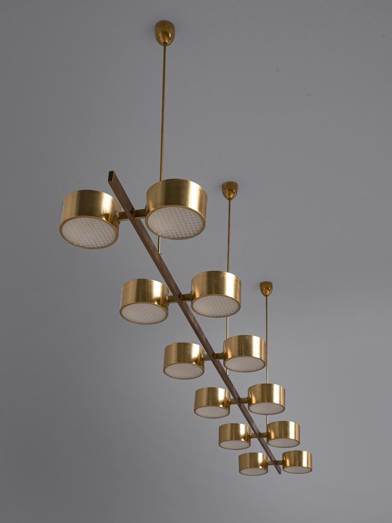 Hans Agne Jakobsson Chandelier with twelve Shades in Brass In Good Condition For Sale In Waalwijk, NL