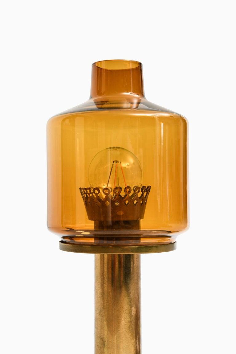 Rare table lamp model B-102 designed by Hans-Agne Jakobsson. Produced by Hans-Agne Jakobsson AB in Markaryd, Sweden.