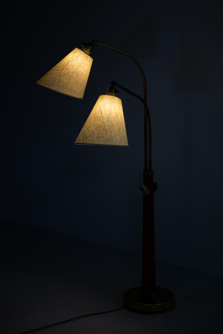 Hans Bergström Floor Lamp Model 500 Produced by Ateljé Lyktan in Sweden For Sale 1