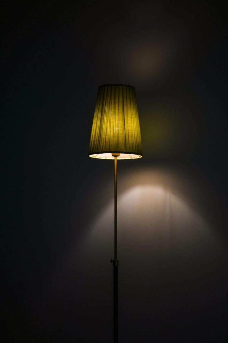 Hans Bergström Floor Lamp Model 544 Produced by Ateljé Lyktan in Åhus, Sweden For Sale 3