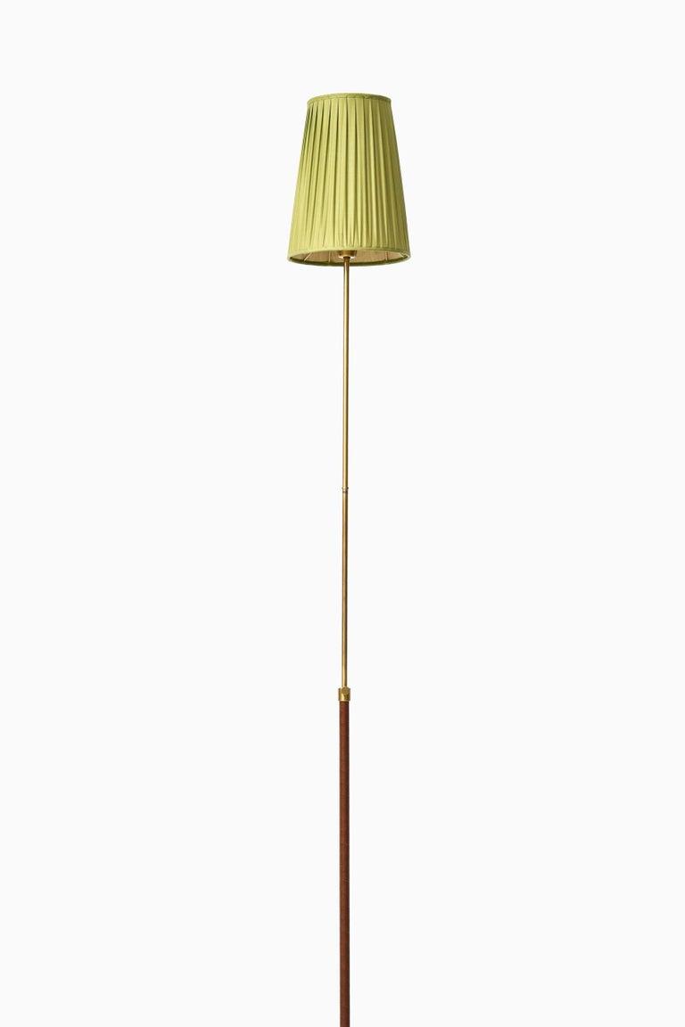 Brass Hans Bergström Floor Lamp Model 544 Produced by Ateljé Lyktan in Åhus, Sweden For Sale