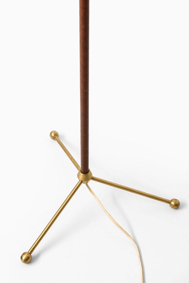Hans Bergström Floor Lamp Model 544 Produced by Ateljé Lyktan in Åhus, Sweden For Sale 1