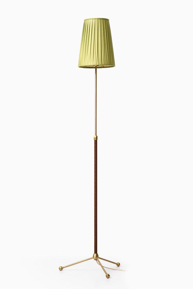 Hans Bergström Floor Lamp Model 544 Produced by Ateljé Lyktan in Åhus, Sweden For Sale 2
