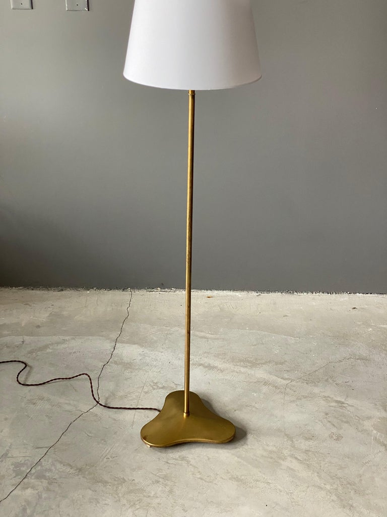Mid-Century Modern Hans Bergström, Rare Floor Lamp with Organic Base, Brass, ASEA, Sweden, 1940s For Sale