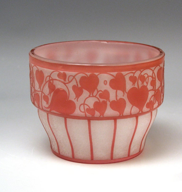 Loetz bowl opaline glass with salmon pink designed by Hans Bolek, (1890-1978): Bolek was one of the founders of the so-said 'Österreichischer Werkbund' in 1914, he was working together with Josef Hoffmann during the period