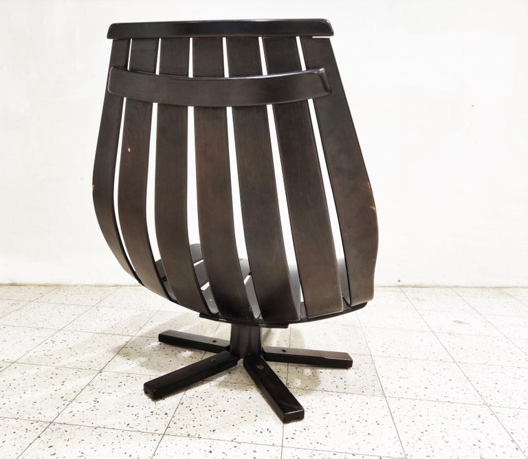 Swivel chair attributed to Hans Brattrud, 1960s In Good Condition For Sale In Ottenburg, BE