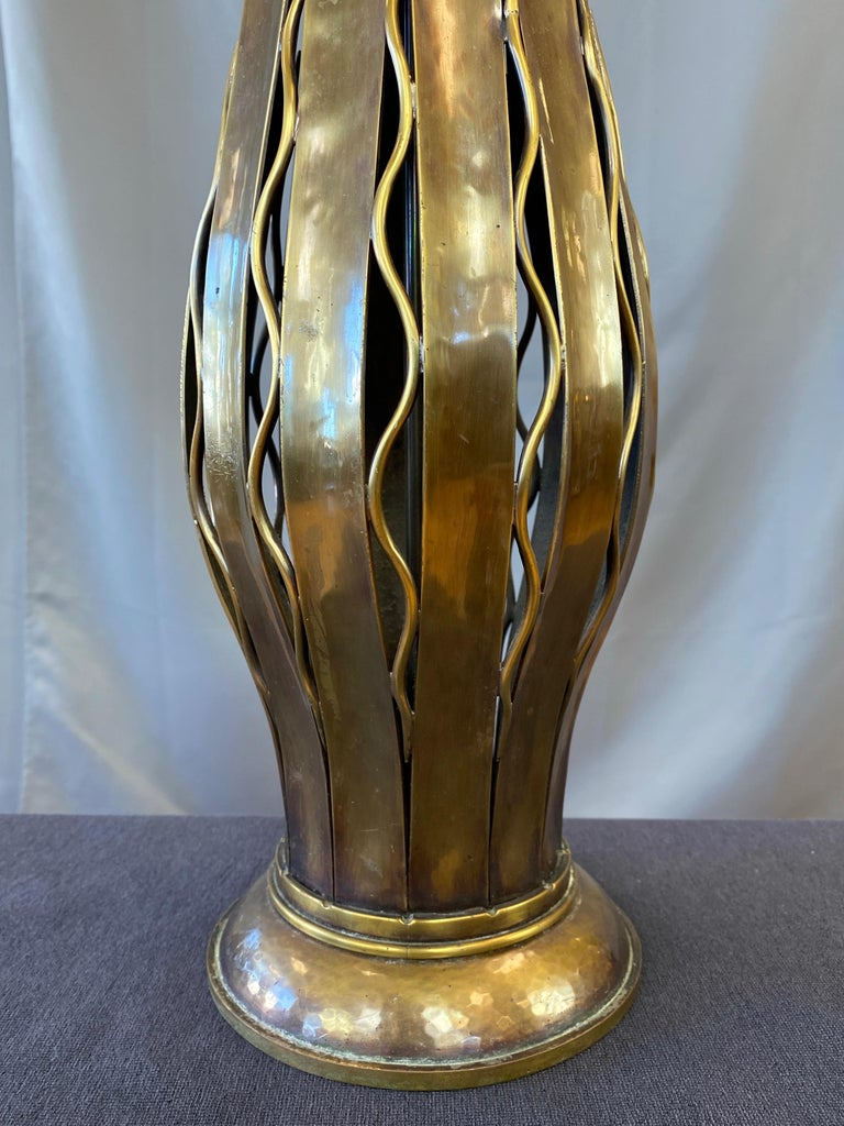 Hans Grag for Gump's Hammered Copper and Brass Table Lamp, 1950s For Sale 1