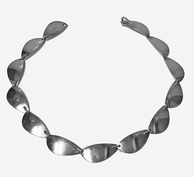 Hans Hansen Sterling Silver Necklace, Denmark, circa 1968 In Good Condition For Sale In Toronto, ON