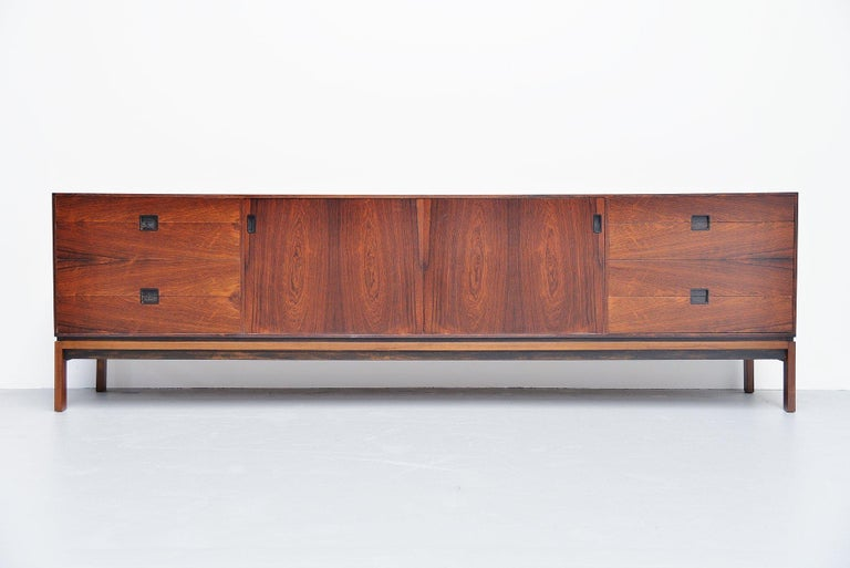 Hans Hove & Palle Petersen Rosewood Sideboard Denmark 1960 In Excellent Condition For Sale In Roosendaal, Noord Brabant