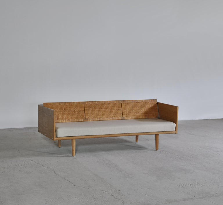 Mid-20th Century Hans J. Wegner 1950s Danish Modern Daybed in Oak and Rattan