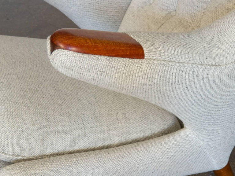 Hans J. Wegner AP19 Papa Bear Chair and Ottoman In Excellent Condition For Sale In Brooklyn, NY