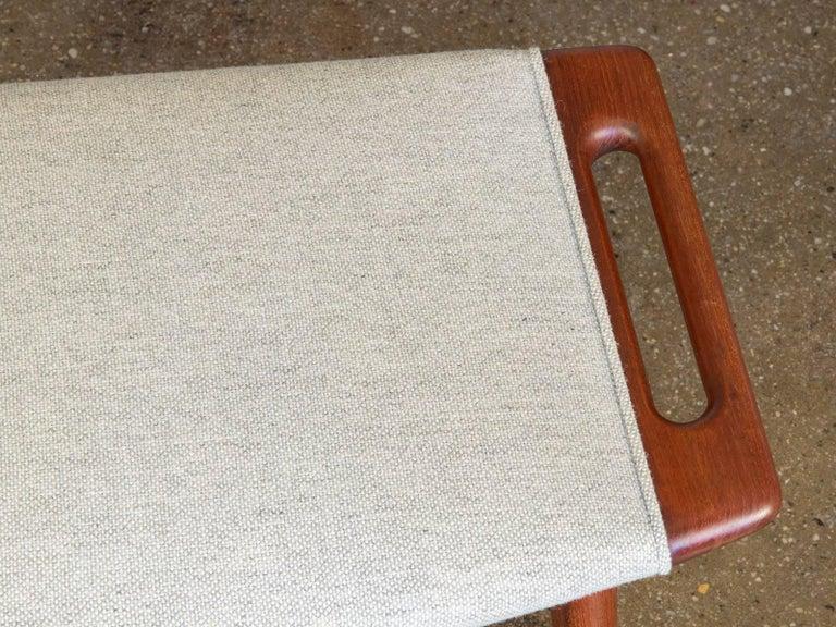 Hans J. Wegner AP19 Papa Bear Chair and Ottoman For Sale 1