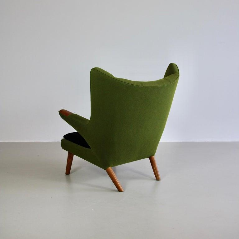 Hans J. Wegner Armchair 'PAPA BEAR'  In Good Condition For Sale In Berlin, Berlin