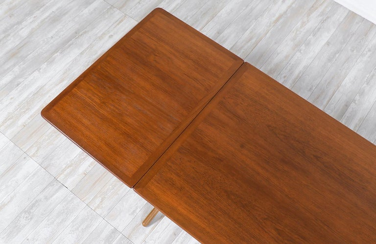"Hans J. Wegner AT 304 ""Sabre"" Dining Table for Andreas Tuck For Sale 3"