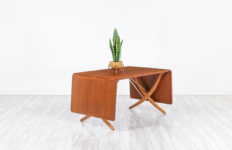 "Mid-Century Modern Hans J. Wegner AT 304 ""Sabre"" Dining Table for Andreas Tuck For Sale"