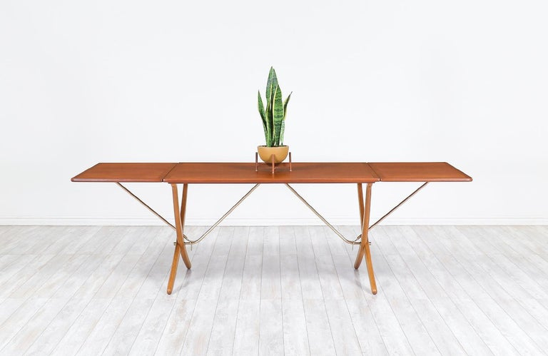 "Hans J. Wegner AT 304 ""Sabre"" Dining Table for Andreas Tuck In Excellent Condition For Sale In Los Angeles, CA"