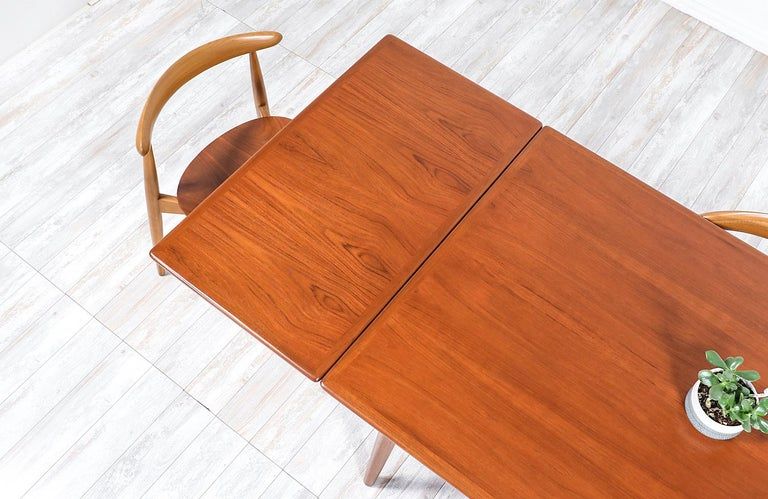 Mid-20th Century Hans J. Wegner AT 312 Teak Draw-Leaf Dining Table for Andreas Tuck For Sale