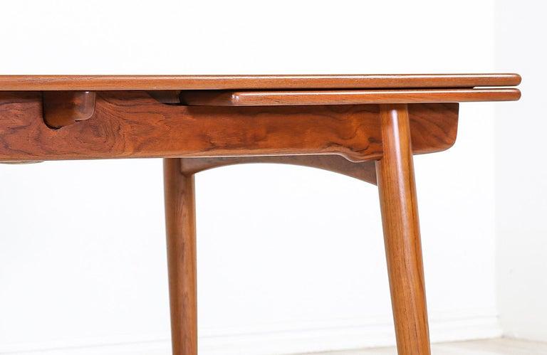 Hans J. Wegner AT 312 Teak Draw-Leaf Dining Table for Andreas Tuck For Sale 1