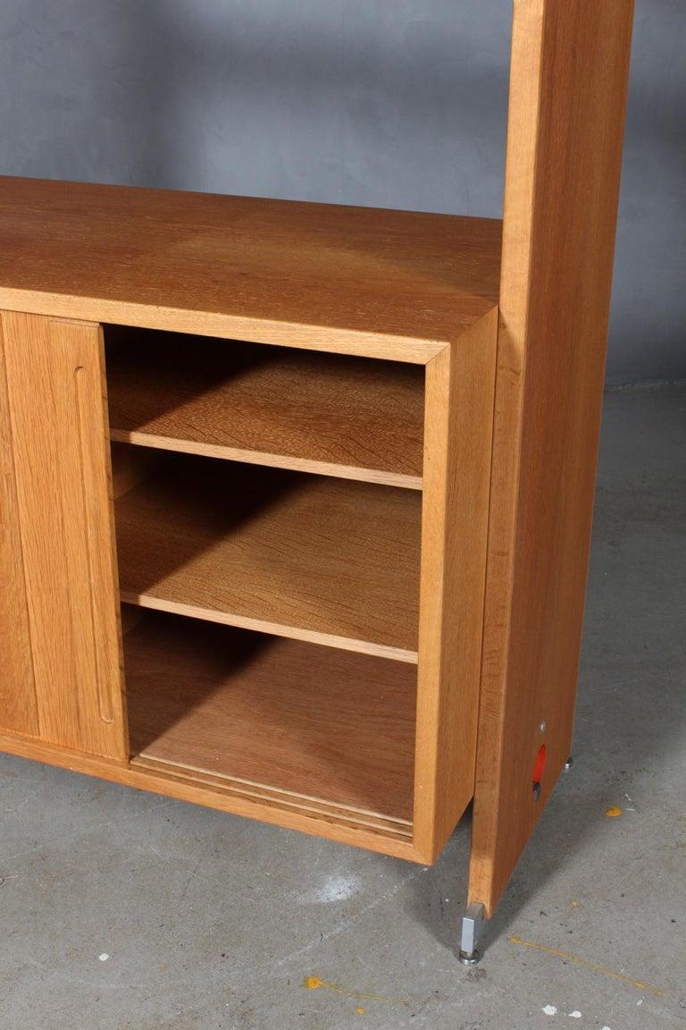 Hans J. Wegner Bookcase In Good Condition For Sale In Esbjerg, DK