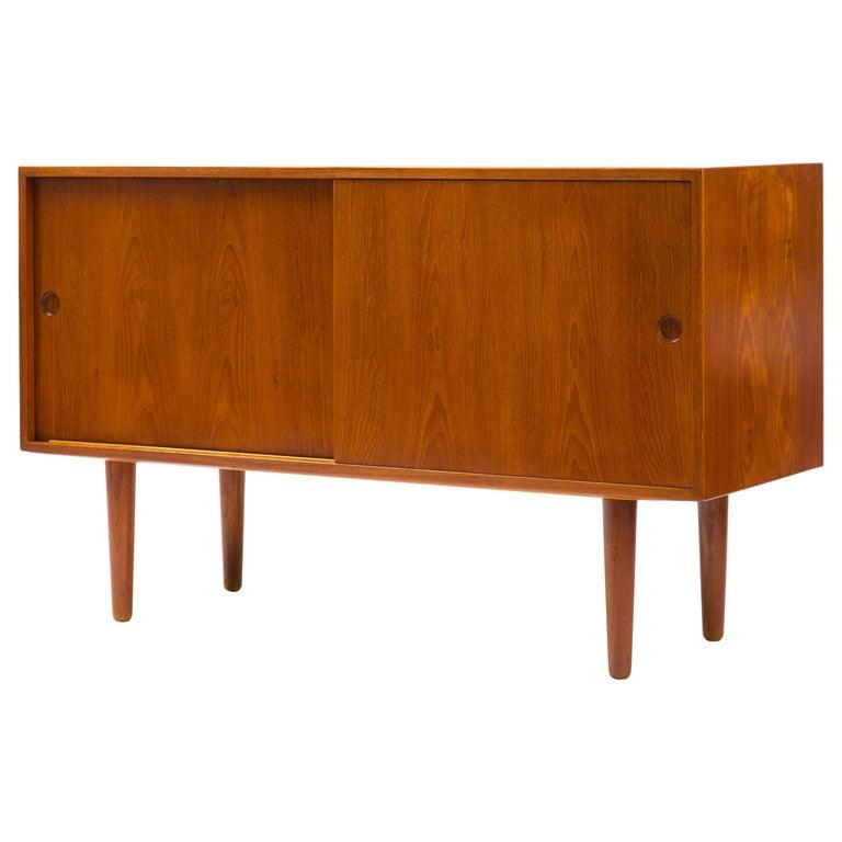 Hans J Wegner Cabinet in Teak, Johannes Hansen Cabinetmaker, circa 1960 For Sale