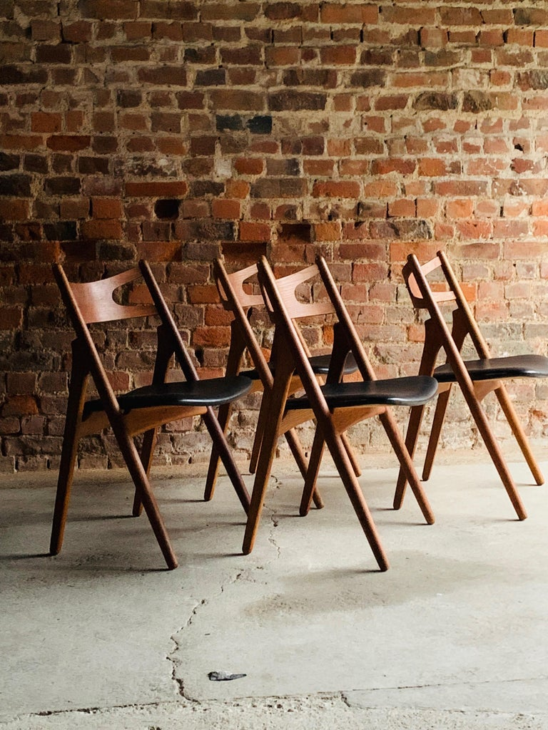 Hans J Wegner CH29 Sawbuck Four Teak Dining Chairs by Carl Hansen, Denmark 1950s In Good Condition For Sale In Longdon, Tewkesbury