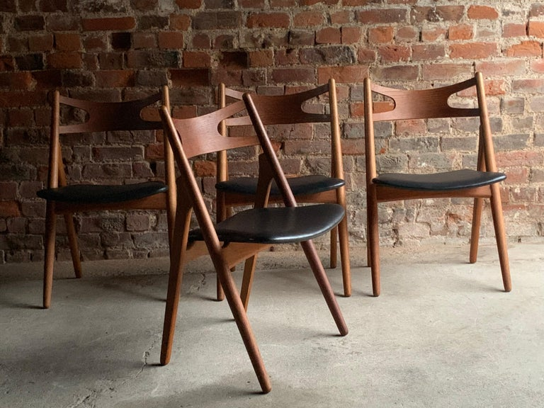Hans J Wegner CH29 Sawbuck Four Teak Dining Chairs by Carl Hansen, Denmark 1950s For Sale 2