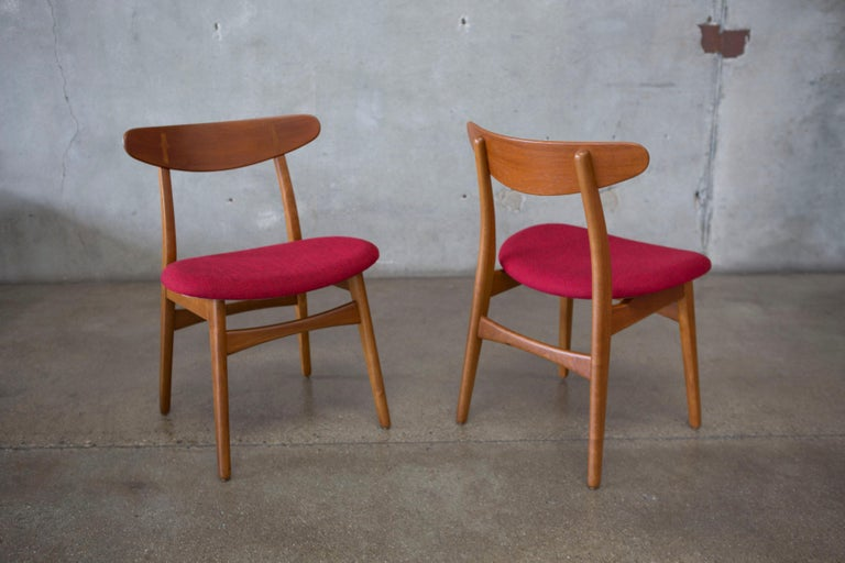 Hans J. Wegner CH30 Chairs in Teak and Oak Set of Five, Denmark, 1950s For Sale 8