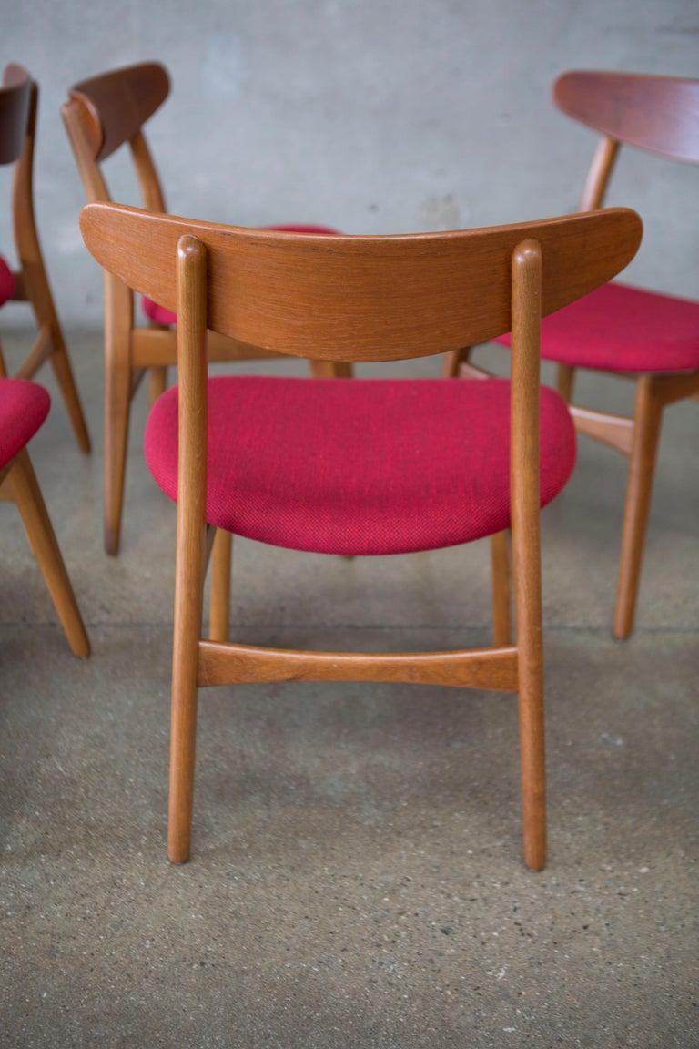 Hans J. Wegner CH30 Chairs in Teak and Oak Set of Five, Denmark, 1950s For Sale 9