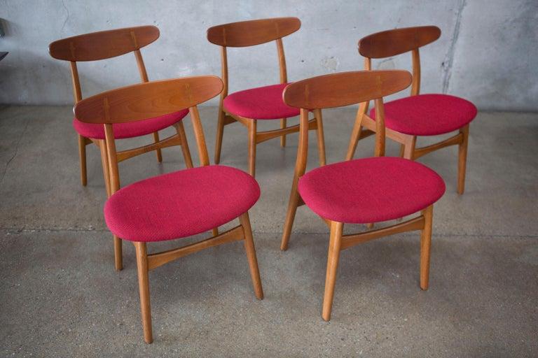 Hans J. Wegner CH30 Chairs in Teak and Oak Set of Five, Denmark, 1950s For Sale 10