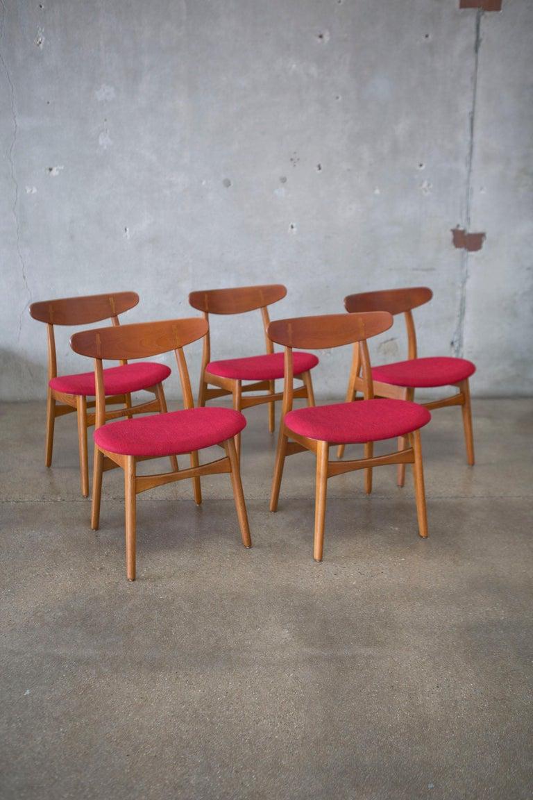 Hans J. Wegner CH30 Chairs in Teak and Oak Set of Five, Denmark, 1950s For Sale 11